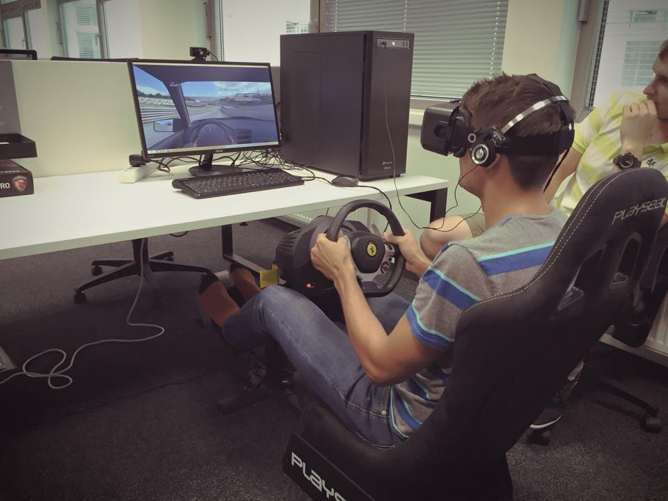 Driving car with Oculus Rift